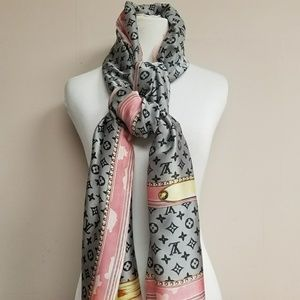 New beautiful large silk Louis Vuitton scarf/wrap.